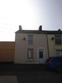 Image for 2 bedroom unfurnished house 3 Burrows Road, Sandfields, Swansea: £450.00